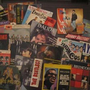 cambia-de-ciudad-discos-vinilo-antiguos