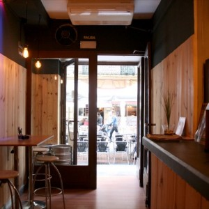 Dentro de la pizzería La Taska