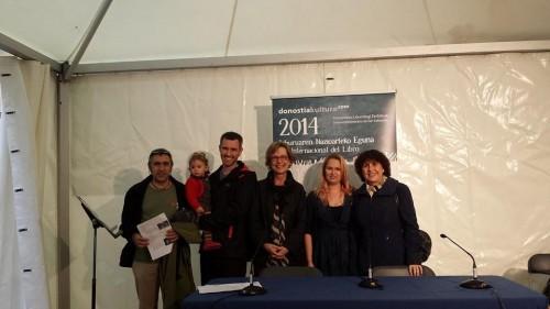 La segunda a la izquierda, en El Día Internacional del libro