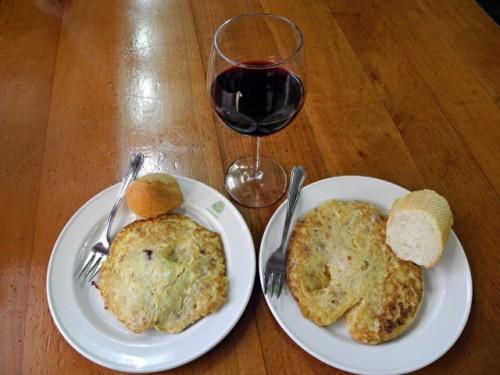 Dos tortillas individuales en el bar Pagadi