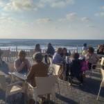 La terraza del People en el paseo marítimo
